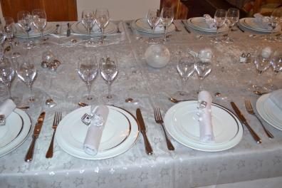 Assiettes Ellipse - Couverts Baguette - Verre Sensation